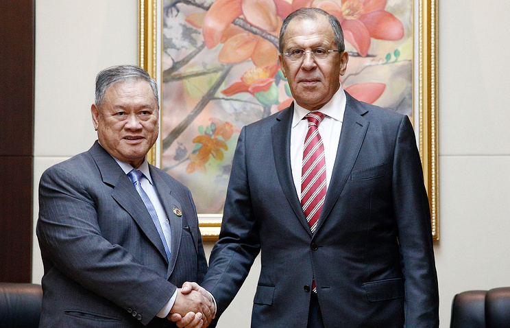 Bruneian and Russian foreign ministers, Lim Jock Seng and Sergey Lavrov