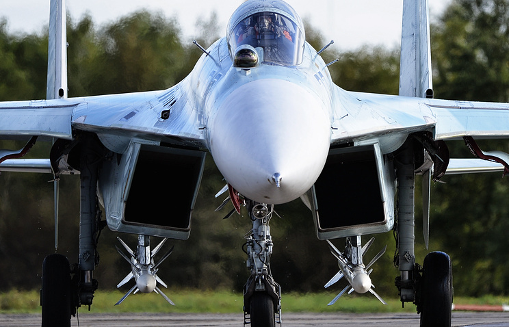 Sukhoi-27 fighter jet