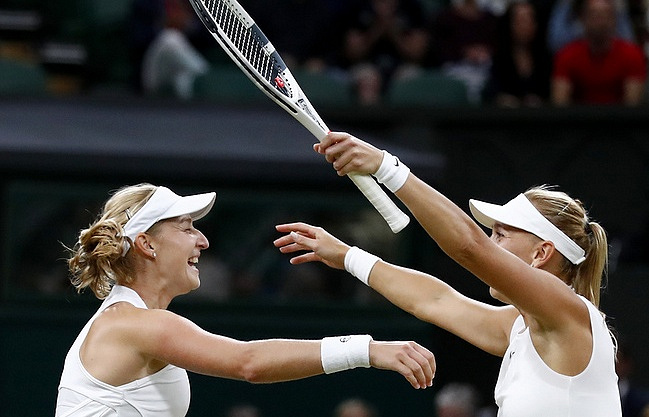 Russian pair enjoy Wimbledon final whitewash