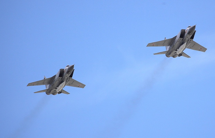 MiG-31 fighter jets armed with Kinzhal hypersonic missiles