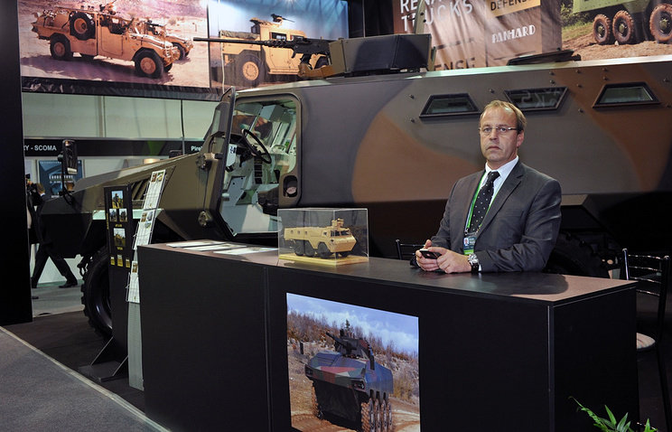На стенде Renault Trucks Defense на выставке Russian Expo Arms 2013