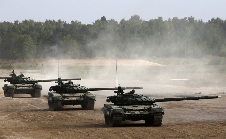 Russian T-90 tanks drive during the Army 2017 International Military Technical Forum in Alabino, Moscow region, Russia, 22 August 2017. The Army 2017 International Military Technical Forum are held from 22 August to 27 August
