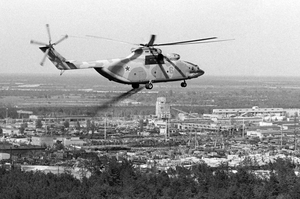 A helicopter decontaminating the air after the Chernobyl disaster Valery Zufarov/Fotokhronika TASS