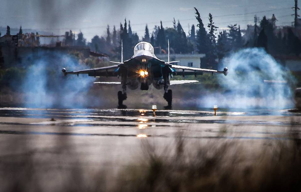 Su-34 fighter landing at the Hmeymim airbase, February 18, 2016 Valery Sharifulin/TASS